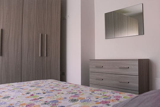 appartamenti-a-Misano-Adriatico-vicino-al-mare-bilocale-centrale-camera-da-letto