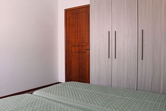 appartamenti-a-Misano-Adriatico-vicino-al-mare-bilocale-centrale-camera-doppia-e-armadio