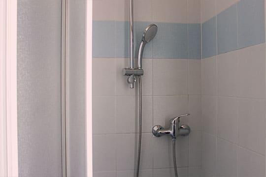 appartamenti-a-Misano-Adriatico-vicino-al-mare-bilocale-centrale-dettagli-bagni