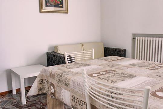 appartamenti-a-Misano-Adriatico-vicino-al-mare-bilocale-centrale-salotto