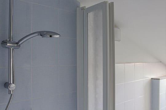 appartamenti-a-Misano-Adriatico-vicino-al-mare-bilocale-mansardato-bagno