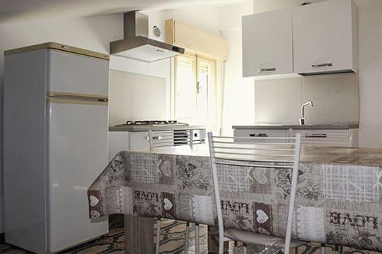 appartamenti-a-Misano-Adriatico-vicino-al-mare-bilocale-mansardato-cucina