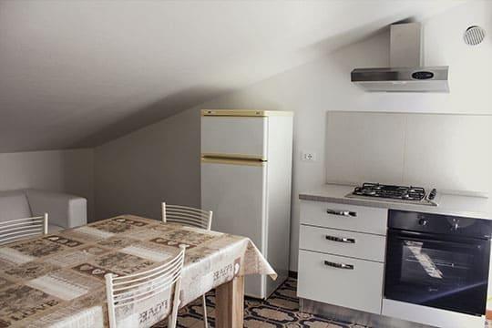 appartamenti-a-Misano-Adriatico-vicino-al-mare-bilocale-mansardato-cucinotto